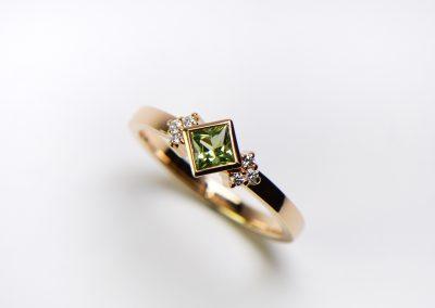 3-1-3_Green_sapphire