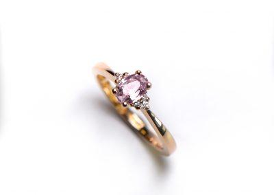 Light_pink_sapphire_3+3_diamonds_1